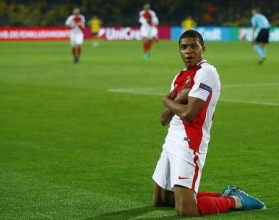 Dortmund-Monaco_(2-3)_pour_Ligue_des_champions_2017_(4)