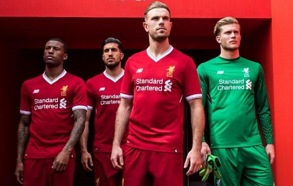 Nouveau_maillot_Liverpool_2017_2018_(6).jpg