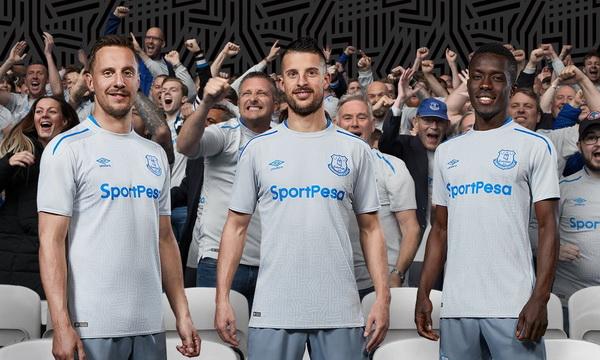Acheter_maillot_Everton_2018_(9).jpg