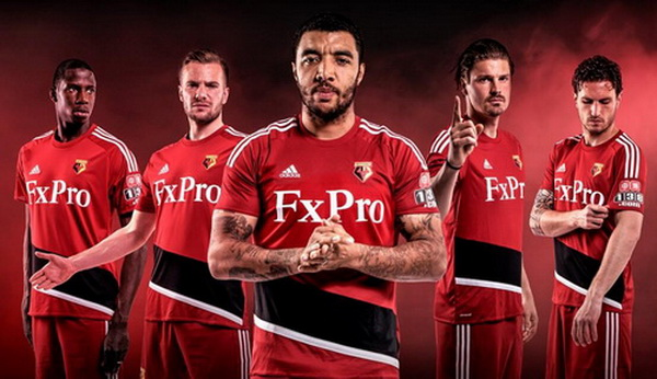 Acheter_maillot_Watford_2018_(1).jpg