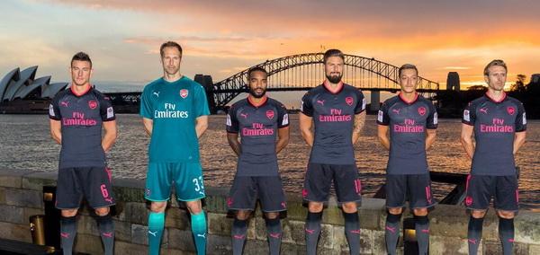 maillot_Arsenal_2018_Pas_Cher_(3).jpg