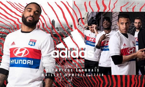 maillot_Lyon_2018_Pas_Cher_(2).jpg