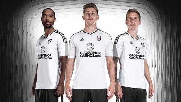 Acheter_maillot_Fulham_FC_2018_(1).jpg