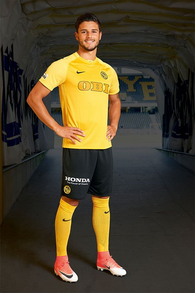 maillot_BSC_Young_Boys_2018_Pas_Cher_(2)