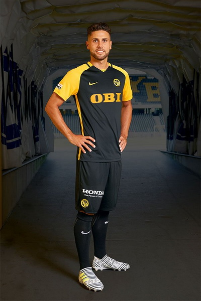 maillot_BSC_Young_Boys_2018_Pas_Cher_(4)