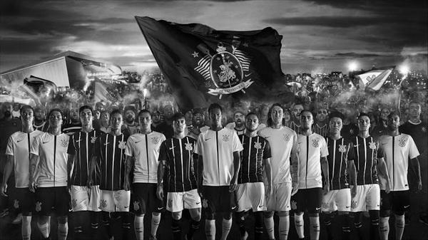 Maillots_de_foot_Corinthians_2018_Pas_Cher_(2).jpg