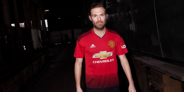 Maillot_de_foot_Manchester_United_2019_pas_cher_(4)