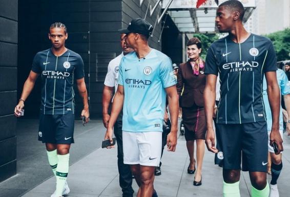 Maillot_de_Manchester_City_2019_pas_cher_(1)