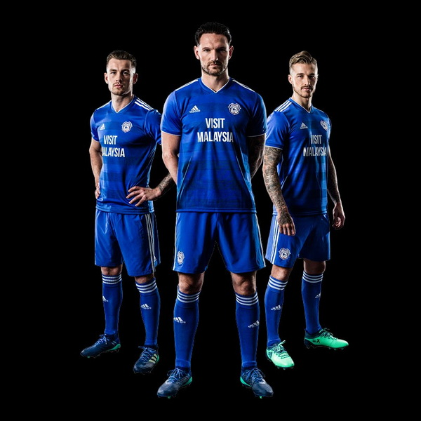 Maillot_de_foot_Cardiff_City_2019_pas_cher_(5).jpg