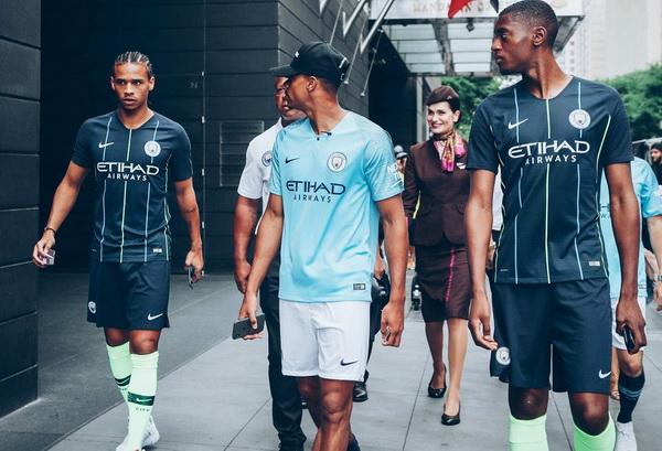 Maillot_Manchester_City_2019_pas_cher_(1).jpg