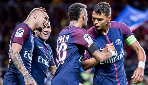 Maillots_de_foot_Thiago_Silva_PSG_pas_cher_2019_(3).jpg