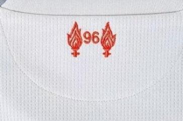 Troisieme_Maillot_de_foot_Liverpool_2019_pas_cher_(6)
